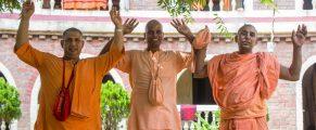 Brahmacari_sadhu-sanga